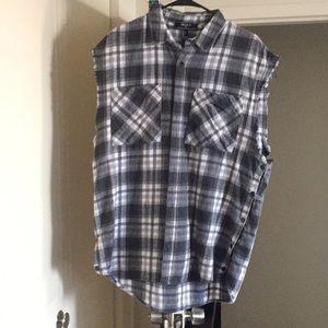 Sleeveless plaid trucker shirt size large